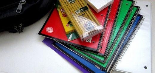 school-supplies-1582082_1280